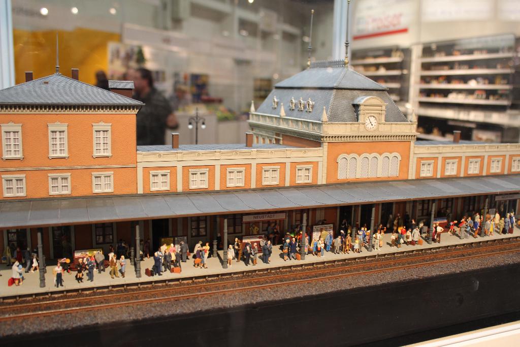 Preiser Figuren Bahnhof