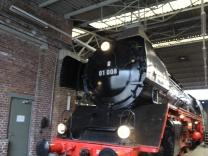 Dampflokomotive 01 008