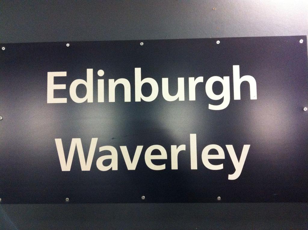 Edingburgh Waverley Station
