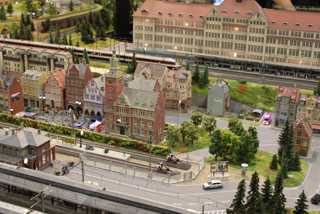 IMAGE(https://www.modellbahn-links.de/wp-content/gallery/modellbahn-maerklin-h0-2012/img_1175.jpg)